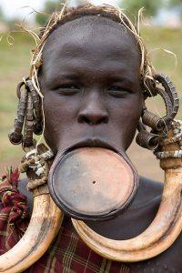 mursi-woman